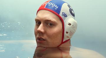 cap-black-swimming
